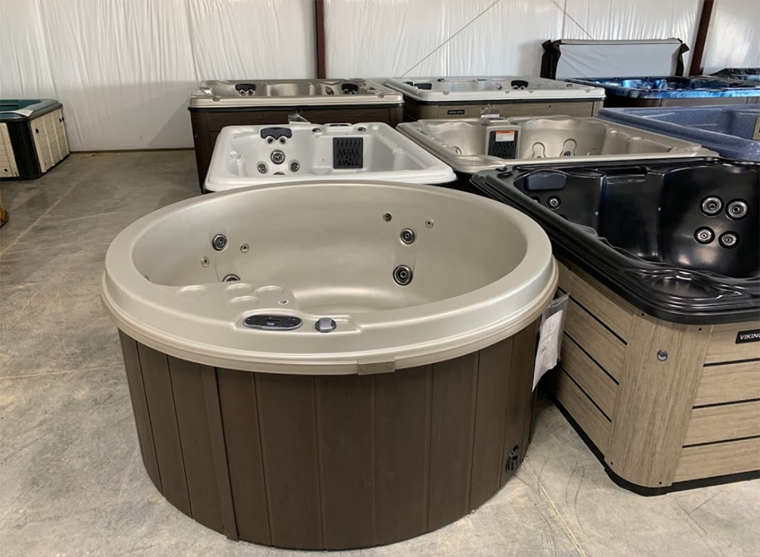 Mountain Leisure Hot Tubs showroom