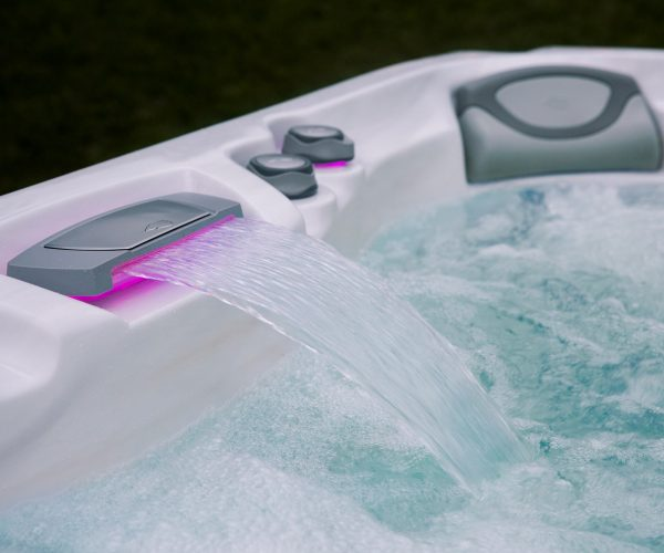 Sundance Spas 880 Series Optima Waterfall